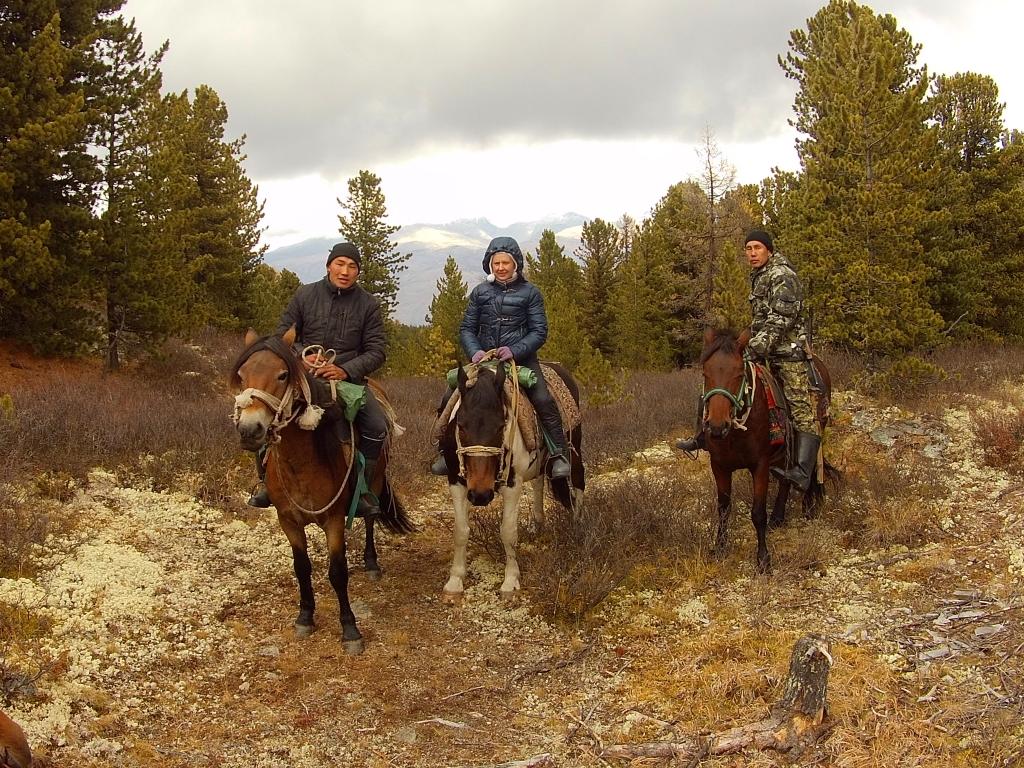 4 день трое на конях на смотровой.jpg