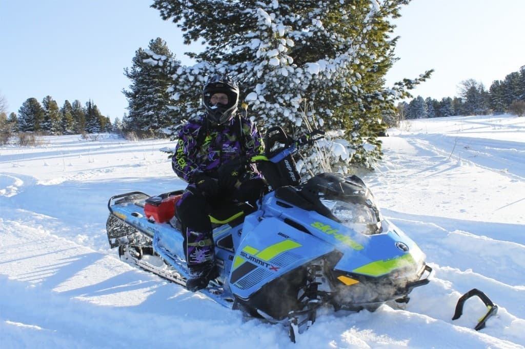 "Снегоход BRP Ski-Doo Summit X 850 165"" SHOT"